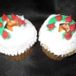 Horseshoe of Roses Cupcake